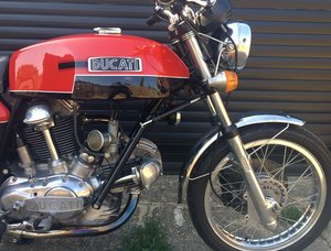 Ducati 750 GT - Beautiful Roundcase