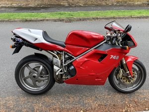 2001 Ducati 748s