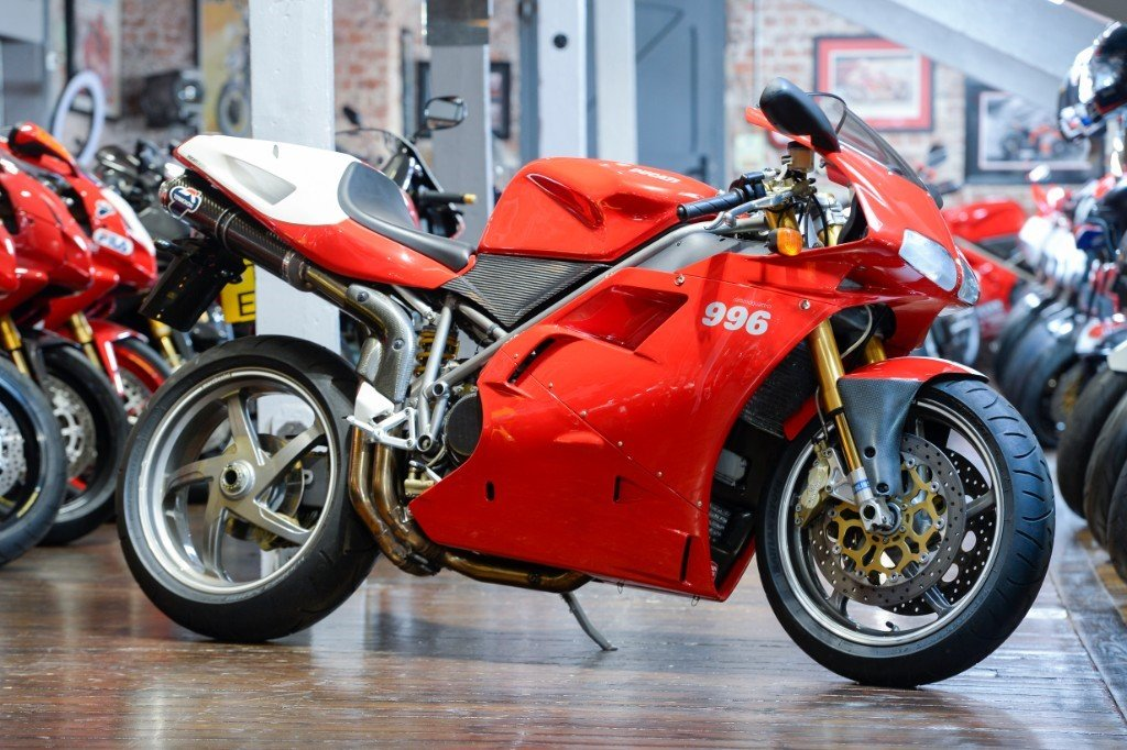 2000 Ducati 996 SPS, immaculate condition For Sale (picture 1 of 6)