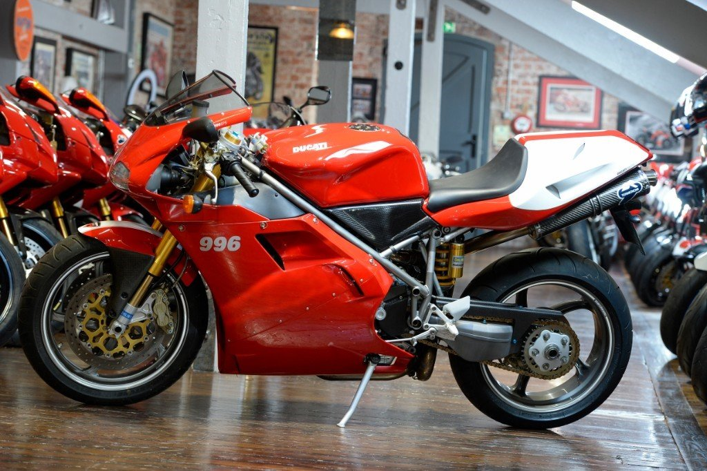 2000 Ducati 996 SPS, immaculate condition For Sale (picture 2 of 6)