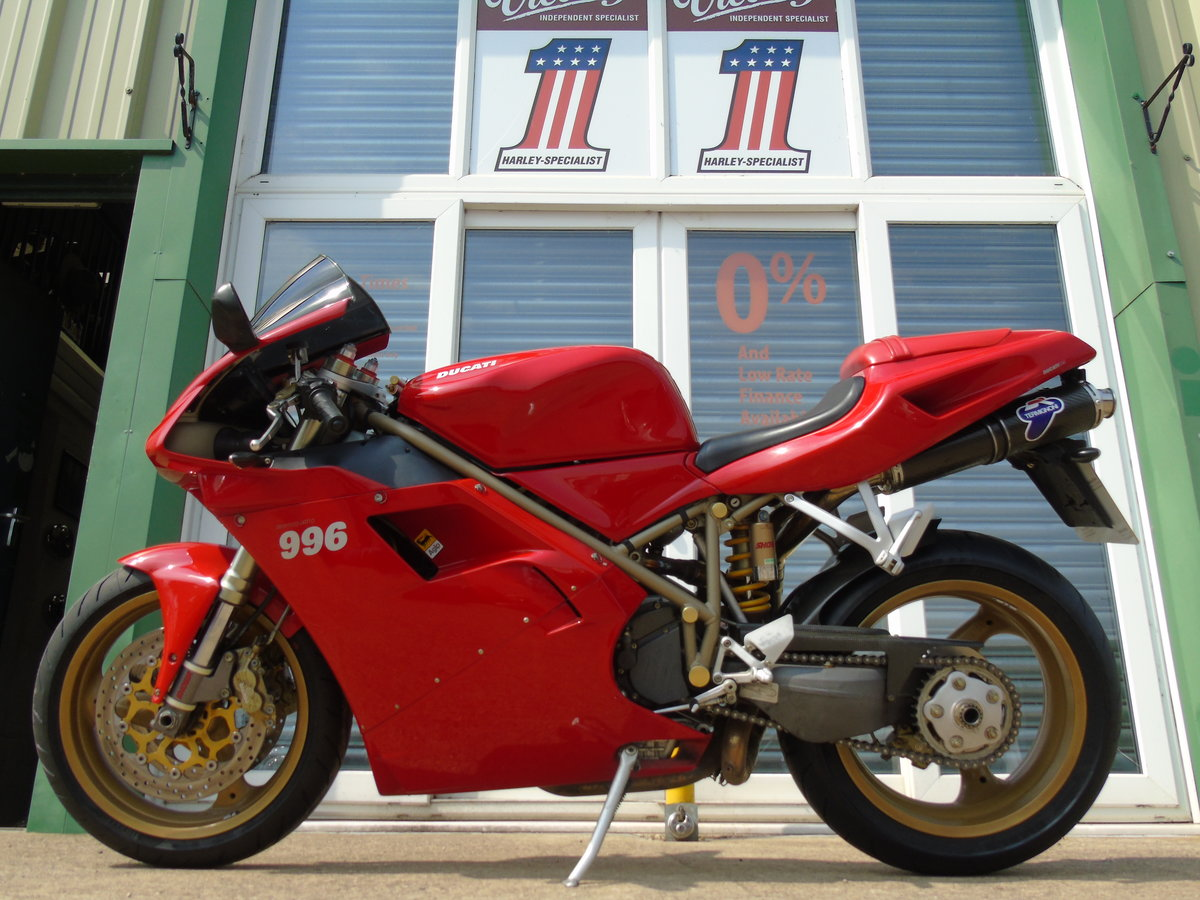 2000 Ducati 996 996cc Biposto Only 8,000 Miles Service History For Sale (picture 2 of 6)