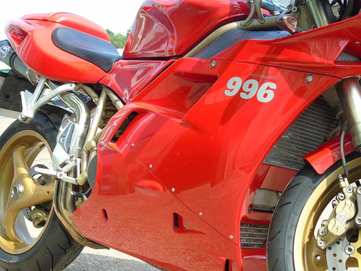 2000 Ducati 996 996cc Biposto Only 8,000 Miles Service History For Sale (picture 3 of 6)