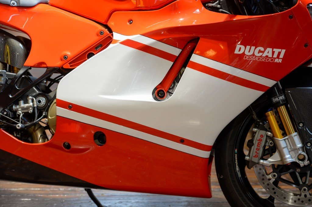 2008 Ducati Desmosedici Team version, only 1400 miles  For Sale (picture 3 of 6)
