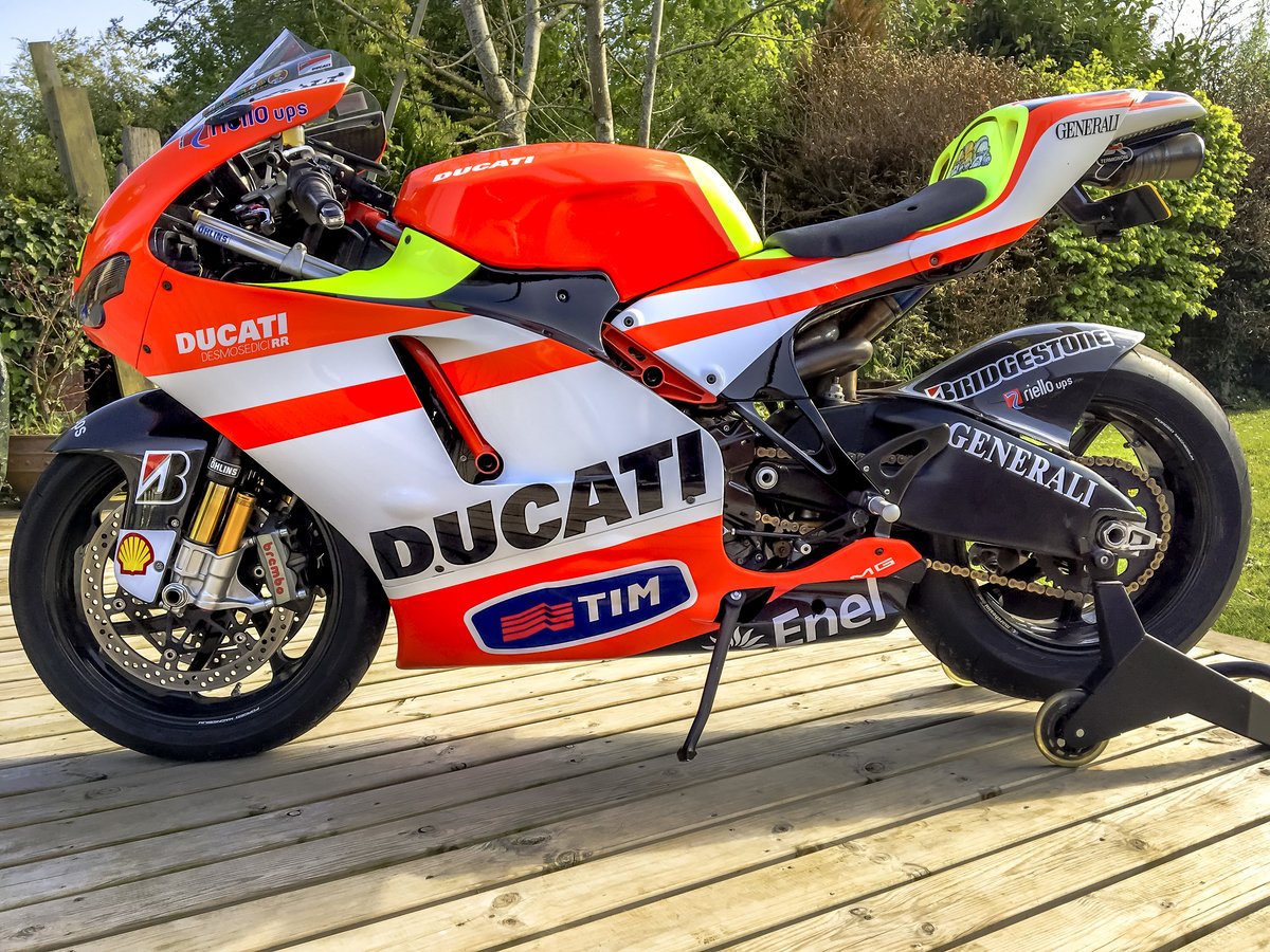 2009 D16RR TEAM- One Off Rossi Replica & original parts For Sale (picture 1 of 6)