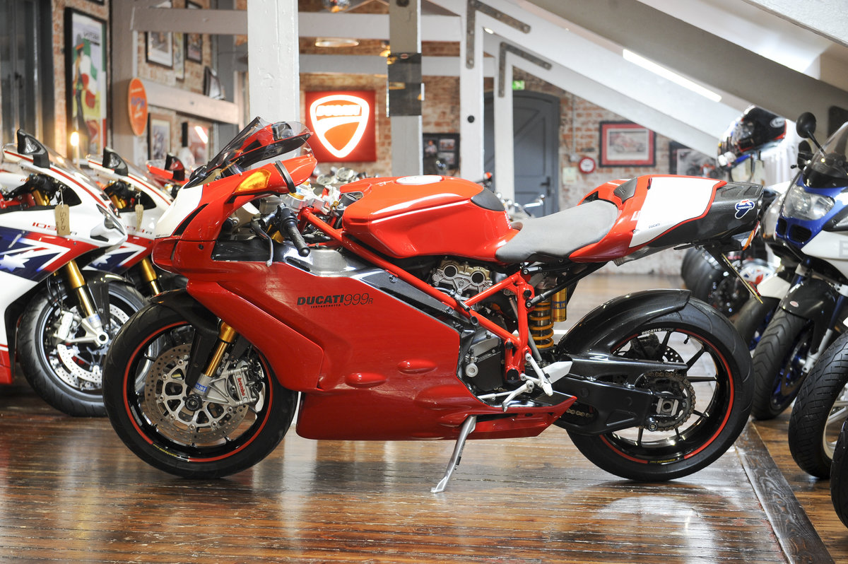 2005 Ducati 999R Excellent Example For Sale (picture 2 of 6)