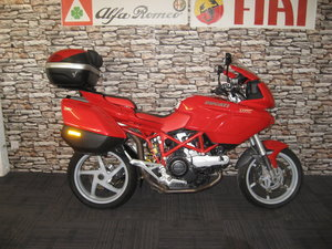 Picture of 2004  04-reg Ducati DL1000 Multistrada finished in red/white