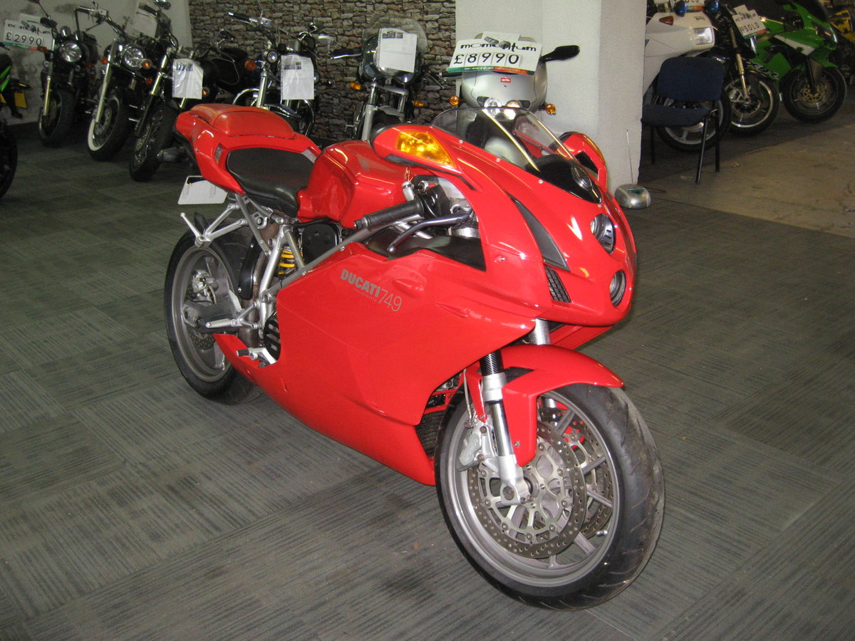 2004 04-reg Ducati 749 Bip finished in Ducati red For Sale (picture 2 of 12)