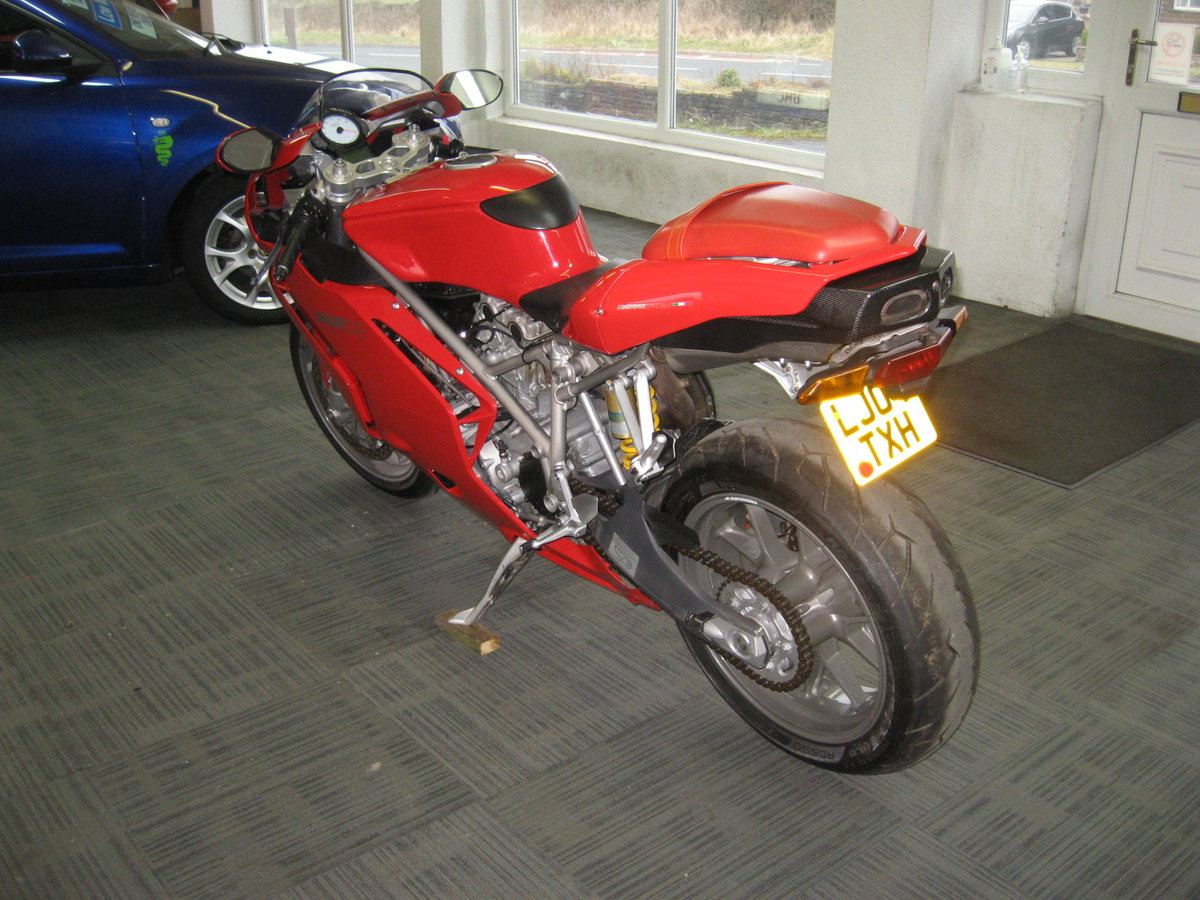2004 04-reg Ducati 749 Bip finished in Ducati red For Sale (picture 5 of 12)