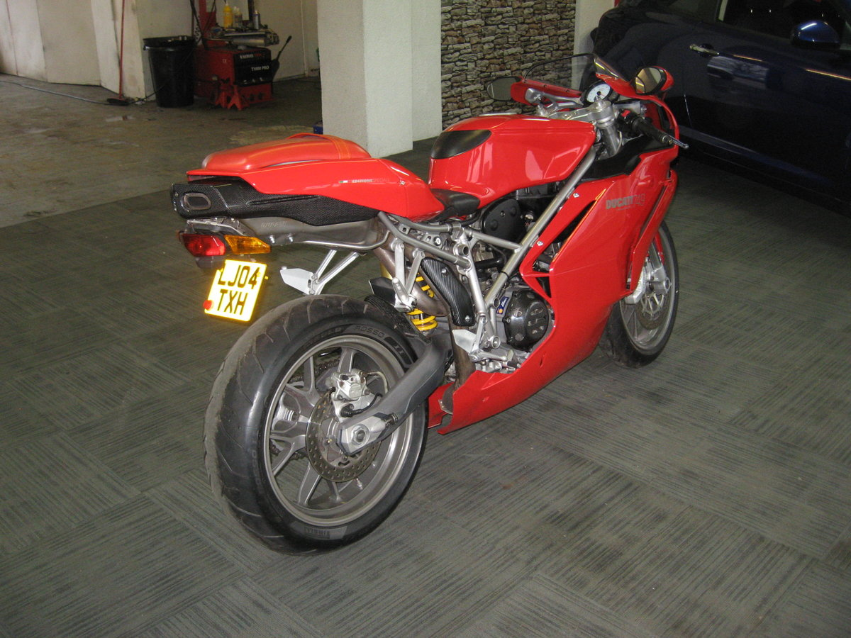 2004 04-reg Ducati 749 Bip finished in Ducati red For Sale (picture 6 of 12)