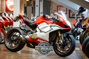 Picture of 2018 Ducati V4 Speciale fitted with Akropovic Exhaust Low Miles For Sale