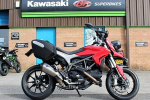Picture of 2017 17 Ducati Hyperstrada 939 **Red** Luggage, Termi** For Sale