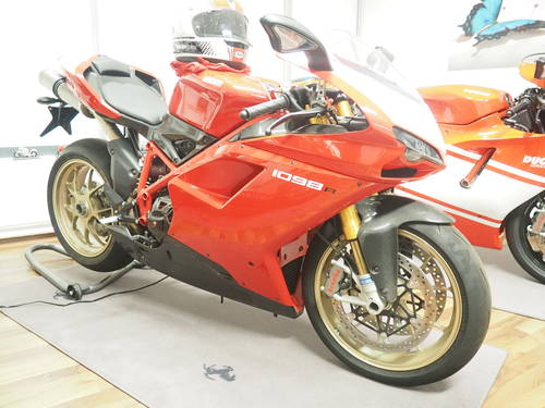 2010 Ducati 1098R in Germany For Sale (picture 1 of 6)