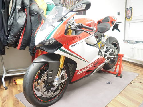 2012 Panigale 1199S Tricolore in Germany For Sale (picture 1 of 6)