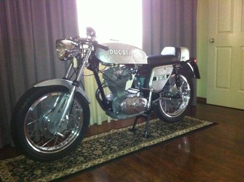 1972 Ducati Silver Shotgun For Sale (picture 1 of 6)