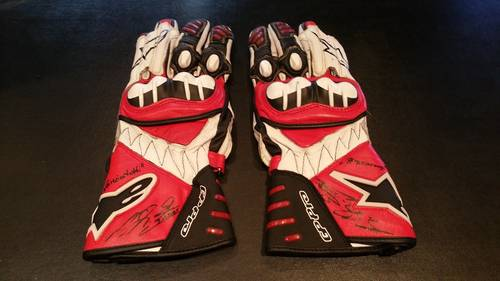 2005 Michael Schumacher Team Ducati gloves signed For Sale (picture 1 of 6)