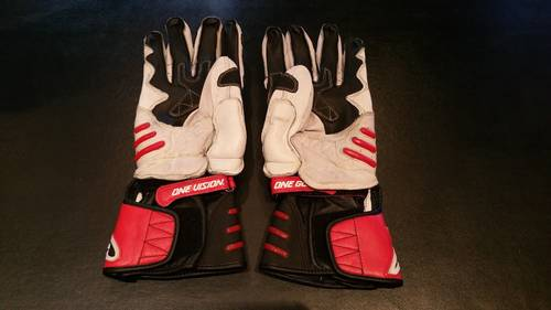 2005 Michael Schumacher Team Ducati gloves signed For Sale (picture 4 of 6)