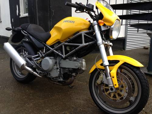 2002 Stunning Ducati Monster 620 SOLD (picture 1 of 6)