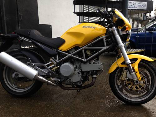 2002 Stunning Ducati Monster 620 SOLD (picture 3 of 6)