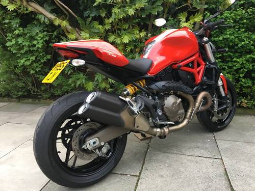 2015 Ducati Monster 821 Stripe, 1 Owner, 4600 miles, Exceptional SOLD (picture 4 of 6)