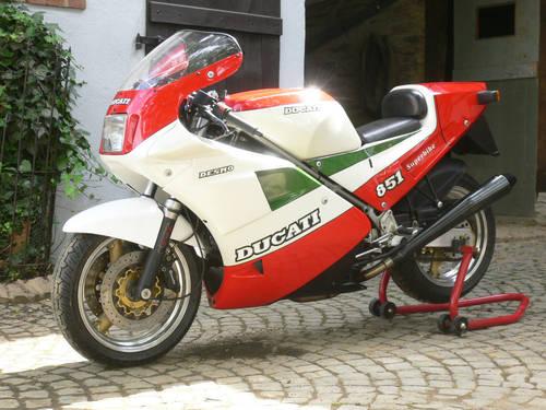 1988 Ducati 851 Superbike tricolore For Sale (picture 1 of 6)