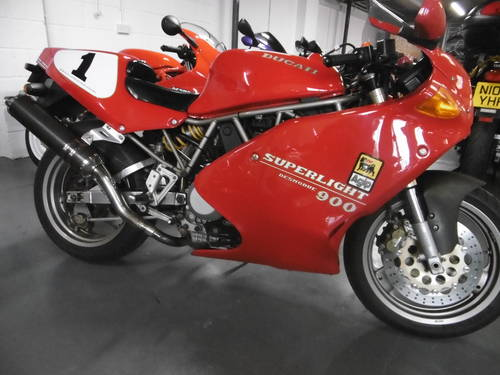 1993 Ducati 900 SUPERLIGHT STUNNING  SOLD (picture 1 of 6)