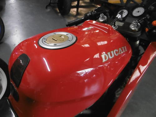 1993 Ducati 900 SUPERLIGHT STUNNING  SOLD (picture 3 of 6)