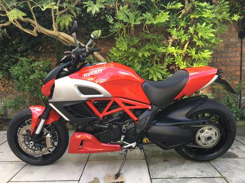 2011 Ducati Diavel, Full Ducati History, immaculate SOLD (picture 2 of 6)