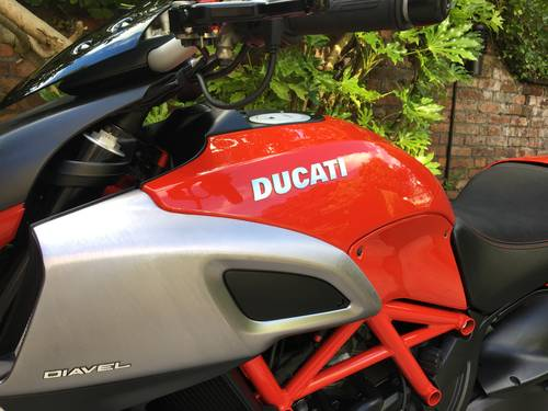 2011 Ducati Diavel, Full Ducati History, immaculate SOLD (picture 5 of 6)
