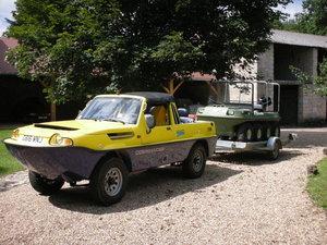 Dutton Commander 4x4 amphibious