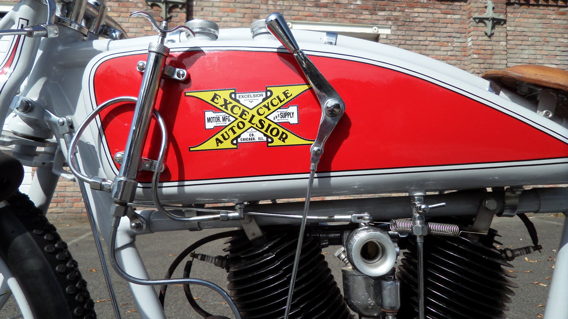 1913 EXCELSIOR  1000cc V twin board track racer For Sale (picture 2 of 6)