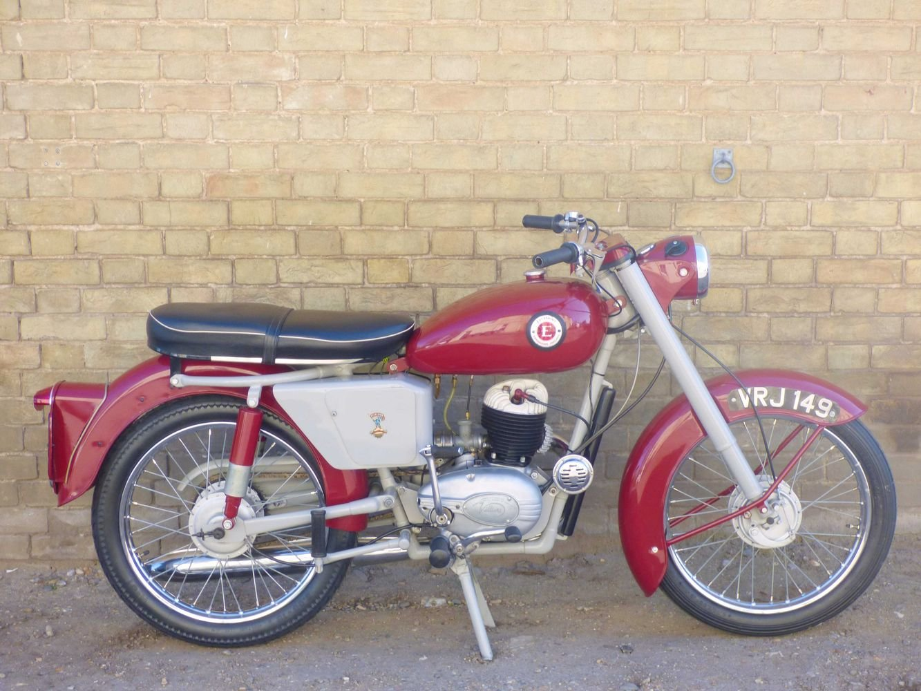 c1961 Excelsior Roadmaster 197cc For Sale (picture 1 of 6)