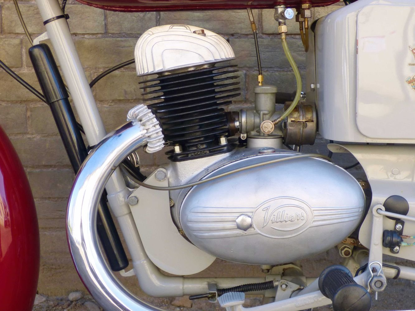c1961 Excelsior Roadmaster 197cc For Sale (picture 4 of 6)