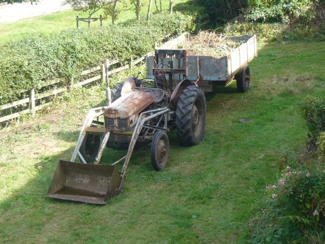 1954 Ferguson TEF DIESEL front loader and rear pallet f For Sale (picture 1 of 3)