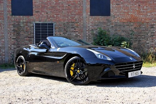 2015 Ferrari California T SOLD (picture 2 of 4)
