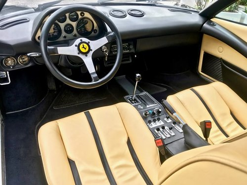 1978 FERRARI 308 GTB DRY SUMP - SERVICE BOOK SOLD (picture 5 of 6)
