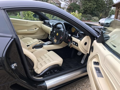 2007 BEAUTIFUL Ferrari 599 GTB,10,200 miles, full history,  For Sale (picture 2 of 6)