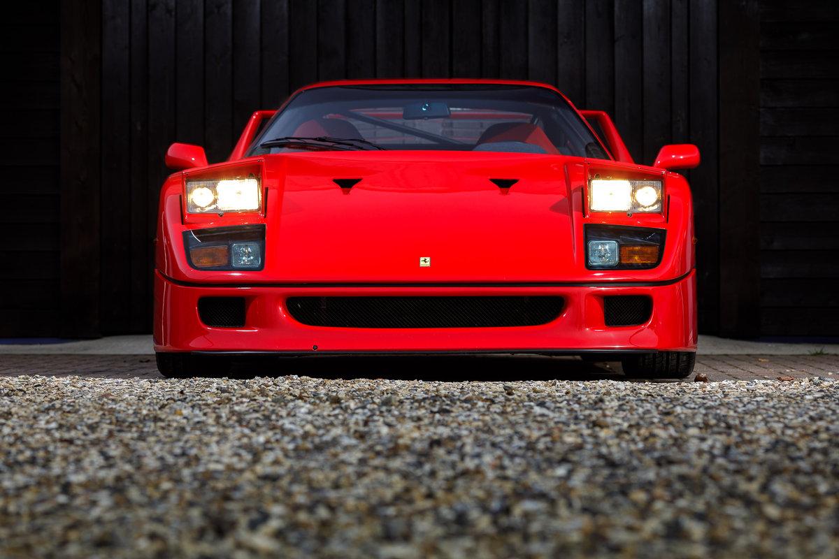 1990 Ferrari F40 SOLD (picture 2 of 6)
