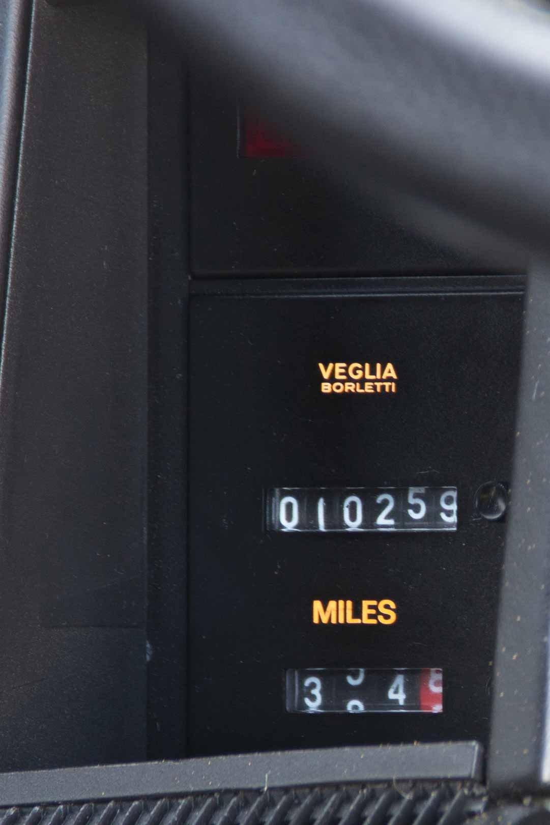 1989 Ferrari Testarossa - 1 owner, 10k miles, luggage For Sale (picture 5 of 6)
