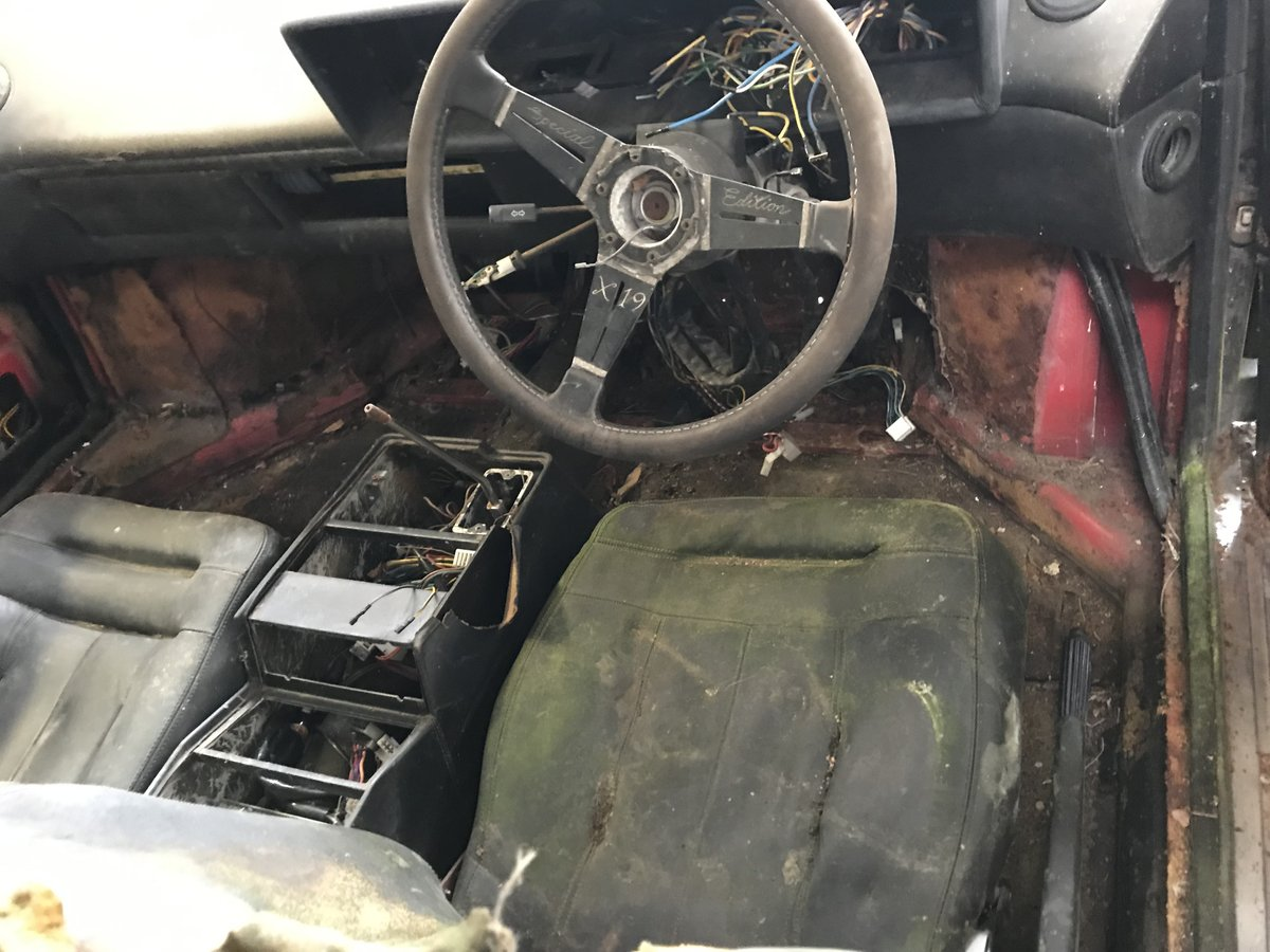 1981 Mondial 8 Parts Car including 308 injection engine For Sale (picture 5 of 6)