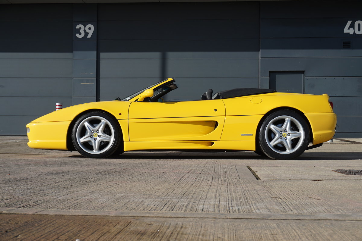 1995 F355 Spider, Manual 18,000 miles LHD For Sale (picture 2 of 6)