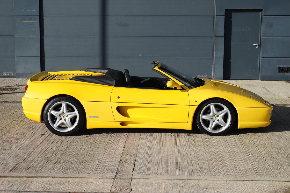1995 F355 Spider, Manual 18,000 miles LHD For Sale (picture 3 of 6)