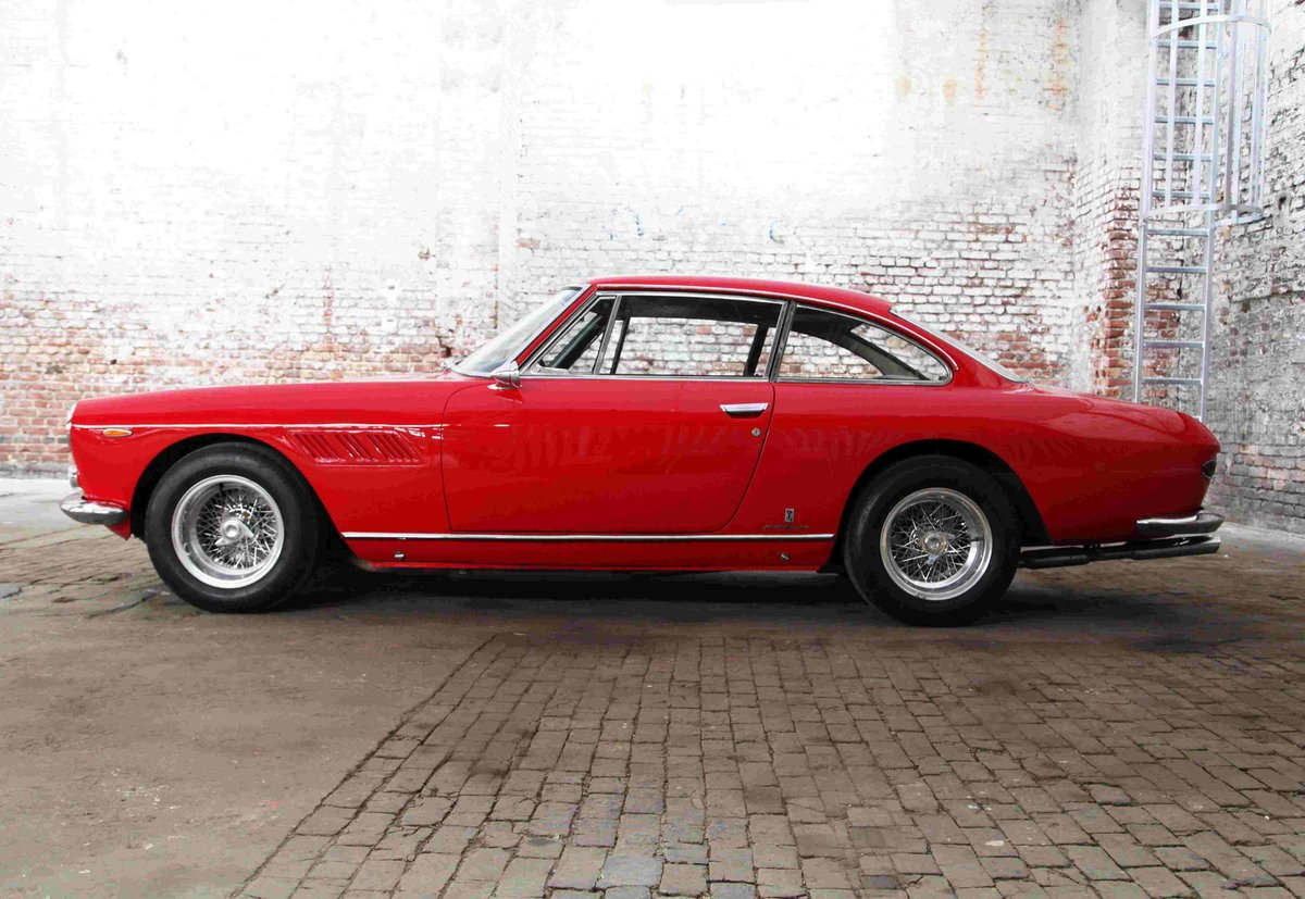 1964 Ferrari 330 GT 2+2 (Narrow Eyes) For Sale (picture 2 of 4)