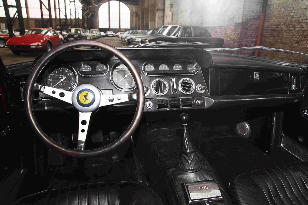 1964 Ferrari 330 GT 2+2 (Narrow Eyes) For Sale (picture 3 of 4)