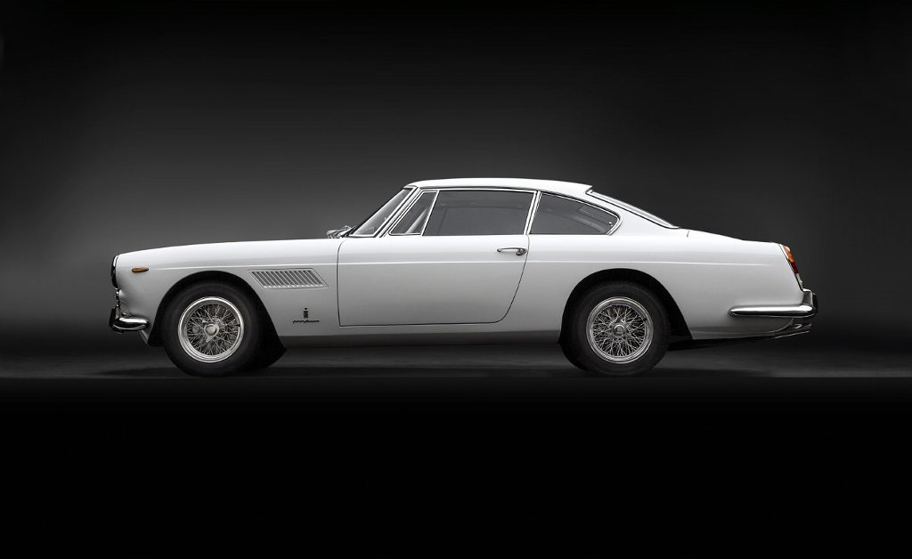 Perfectly restored Ferrari 250 GTE Series III from 1963 For Sale (picture 2 of 6)