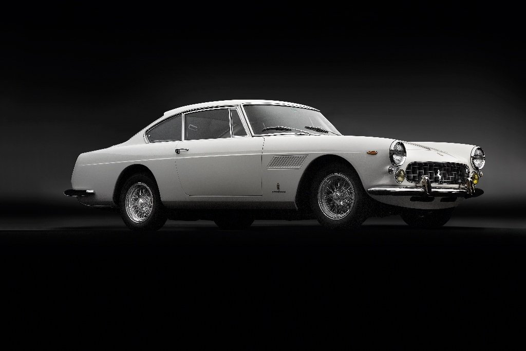 Perfectly restored Ferrari 250 GTE Series III from 1963 SOLD (picture 4 of 6)
