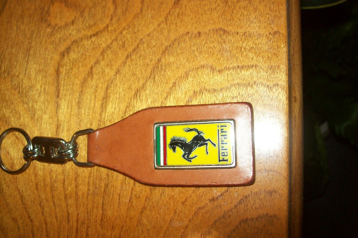 1946 FERRARI HORN BUTTON COFFEE STAMPER For Sale (picture 3 of 6)