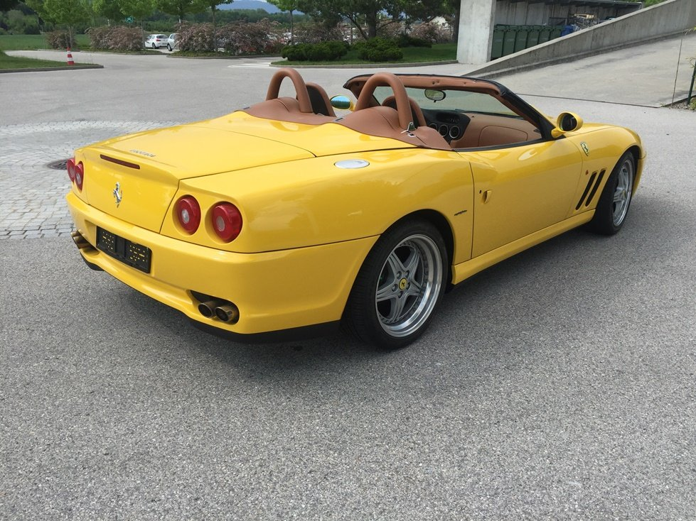 2001 FERRARI F 550 Barchetta Capote éléctrique  For Sale (picture 2 of 6)