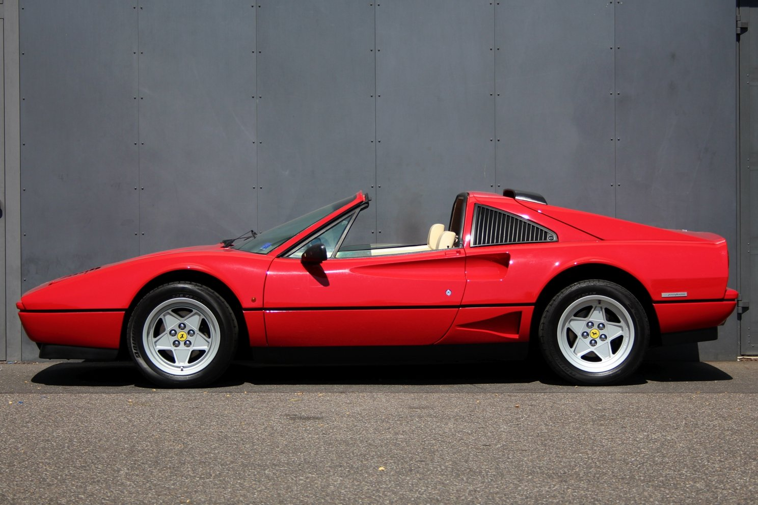 1986 Ferrari 208 GTB Turbo LHD For Sale (picture 5 of 6)