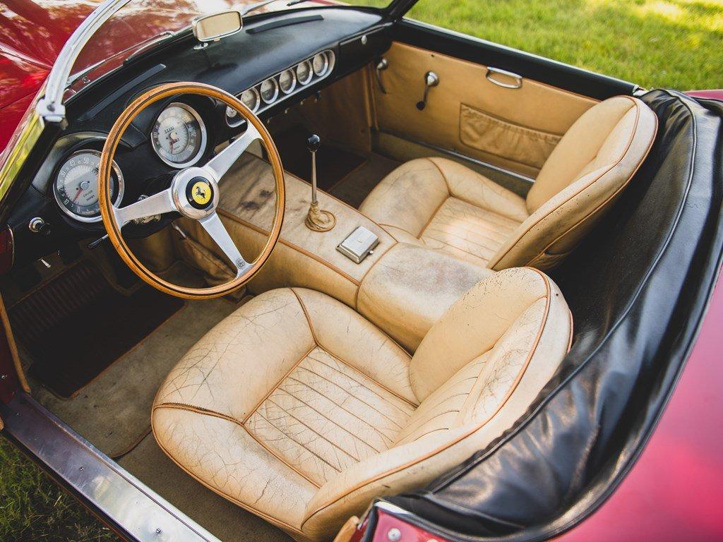 1962 Ferrari 250 California SWB Spider by Scaglietti For Sale by Auction (picture 4 of 6)