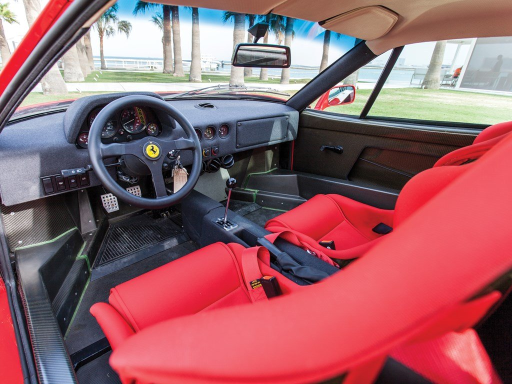1990 Ferrari F40  For Sale by Auction (picture 4 of 6)